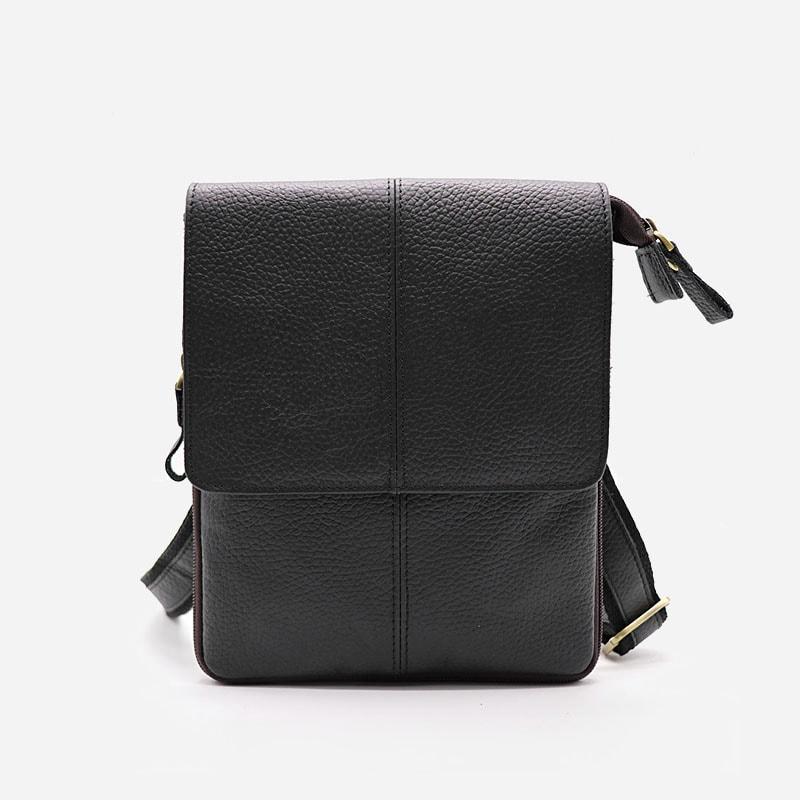 Petite sacoche pour homme en cuir véritable noir pleine fleur de vachette avec bandoulière amovible.