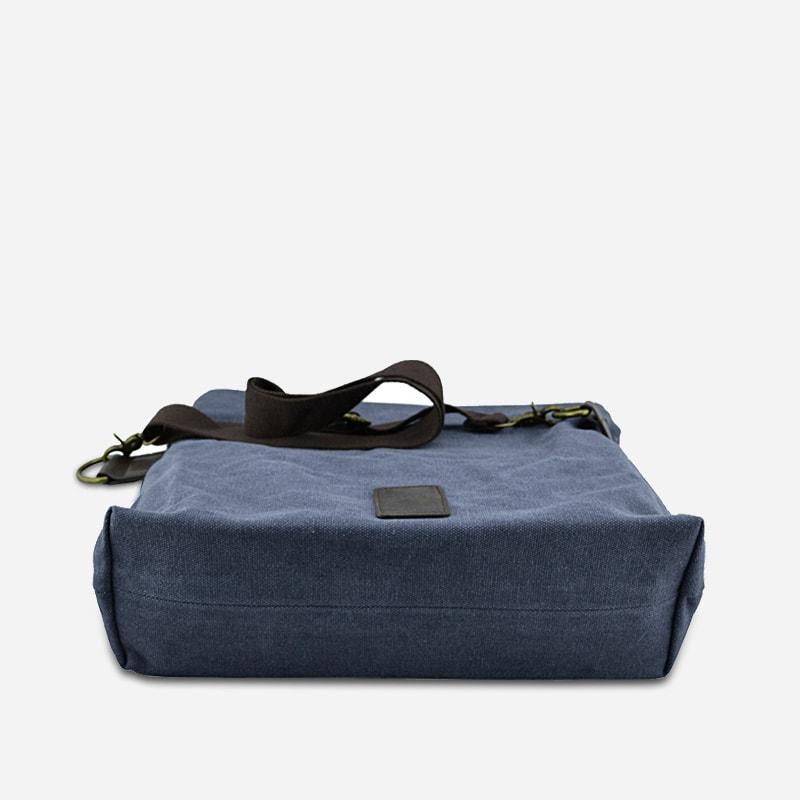 sac-besace-bandouliere-rabat-bleu-homme-dessous