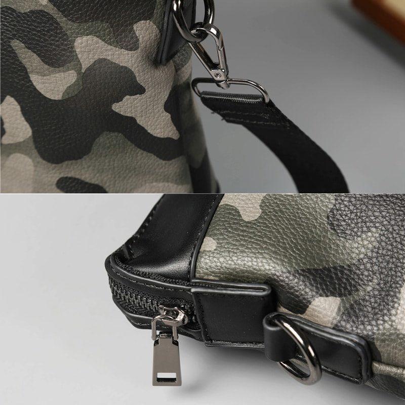 Pochette pour homme vert militaire camouflage avec bandoulière. Détails.
