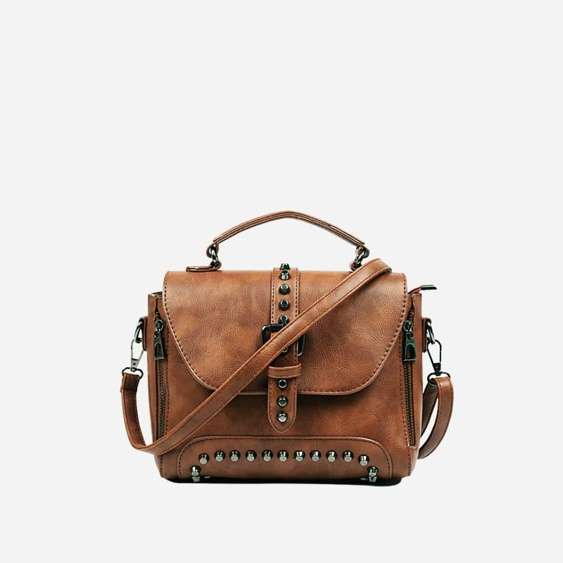 sac-a-main-bandouliere-cloute-cuir-marron