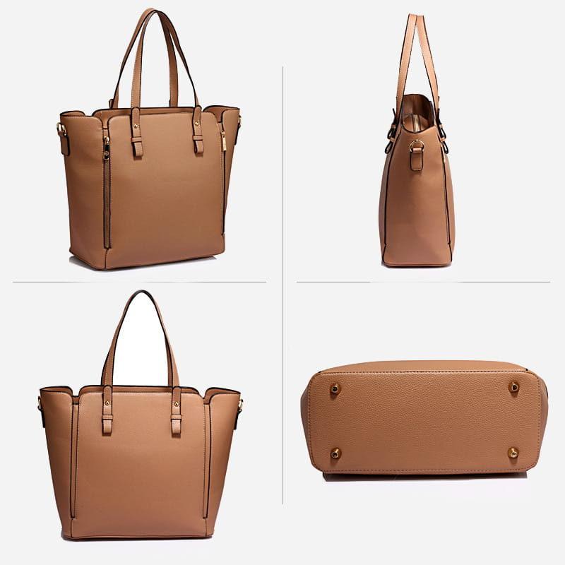 Détails du sac à main bandoulière pour femme en cuir nude.