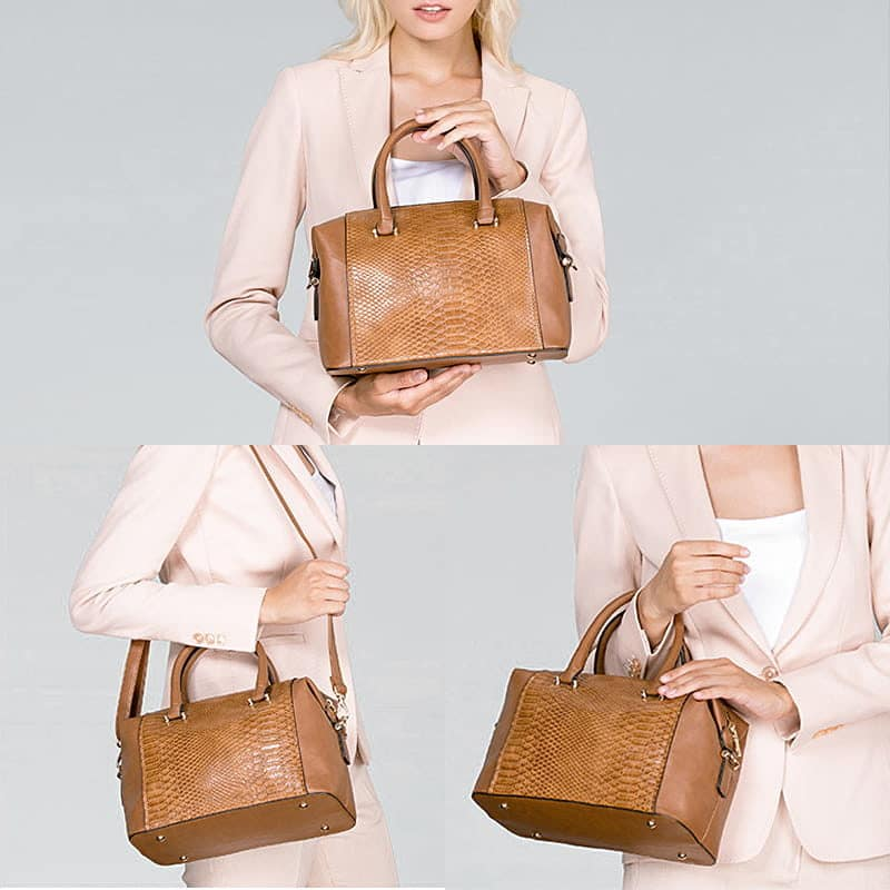 Détails du sac bowling en cuir marron pour femme.