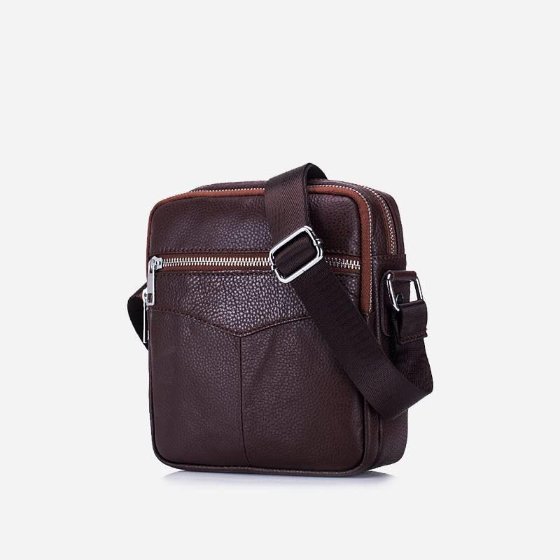 Petite sacoche à bandoulière pour homme en cuir véritable brun.