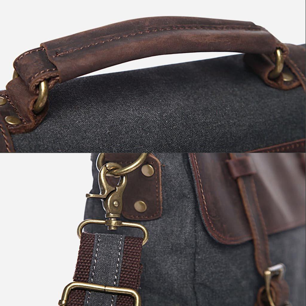 Détails du sac besace pour homme en toile et en cuir véritable. Anse et bandoulière et empiècement : encoche, rivets, mousqueton...
