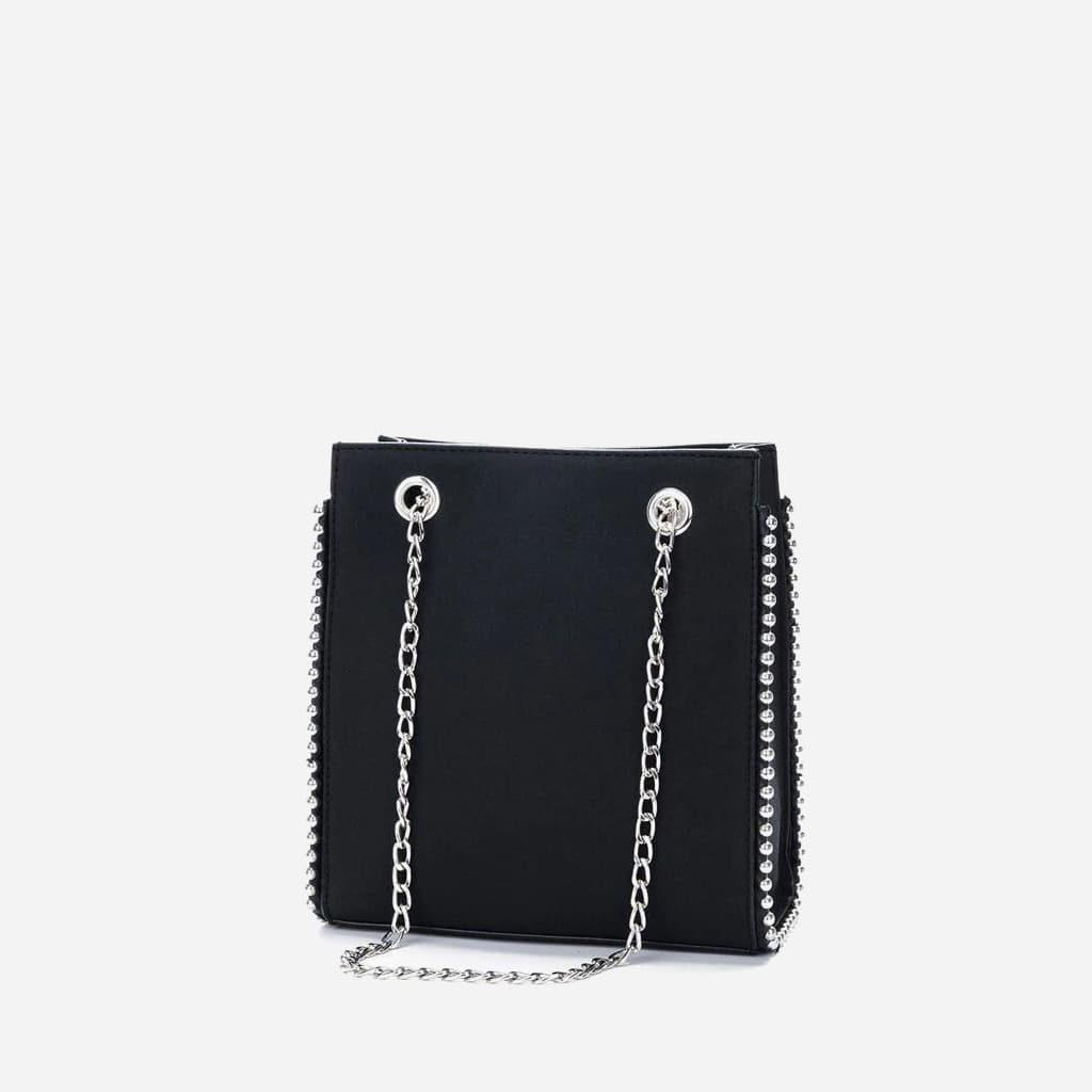 Sac à main cuir nubuck noir avec perles et bandoulière à chaîne.