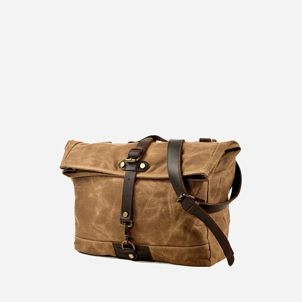 Grande sacoche besace en toile enduite et cuir véritable marron et brun pour homme