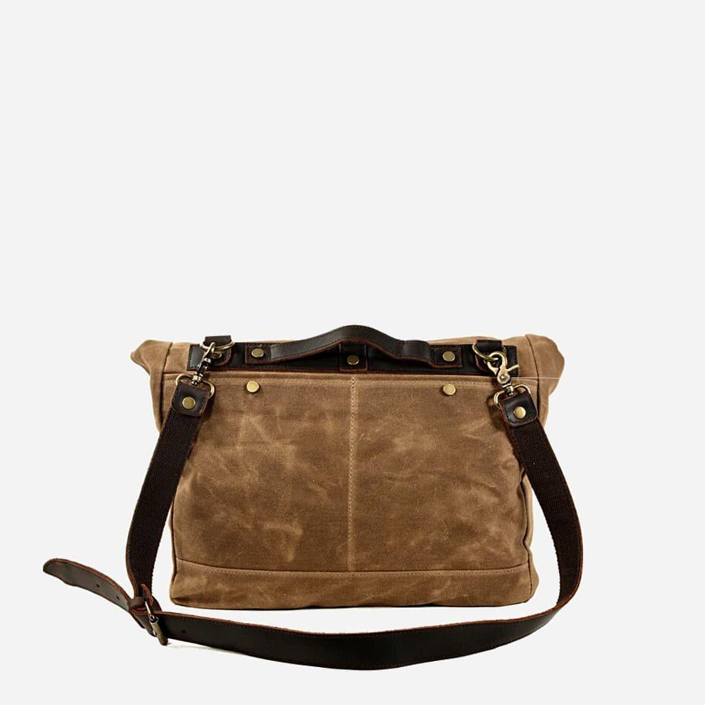 Verso de la grande sacoche besace en toile enduite et cuir véritable marron et brun pour homme