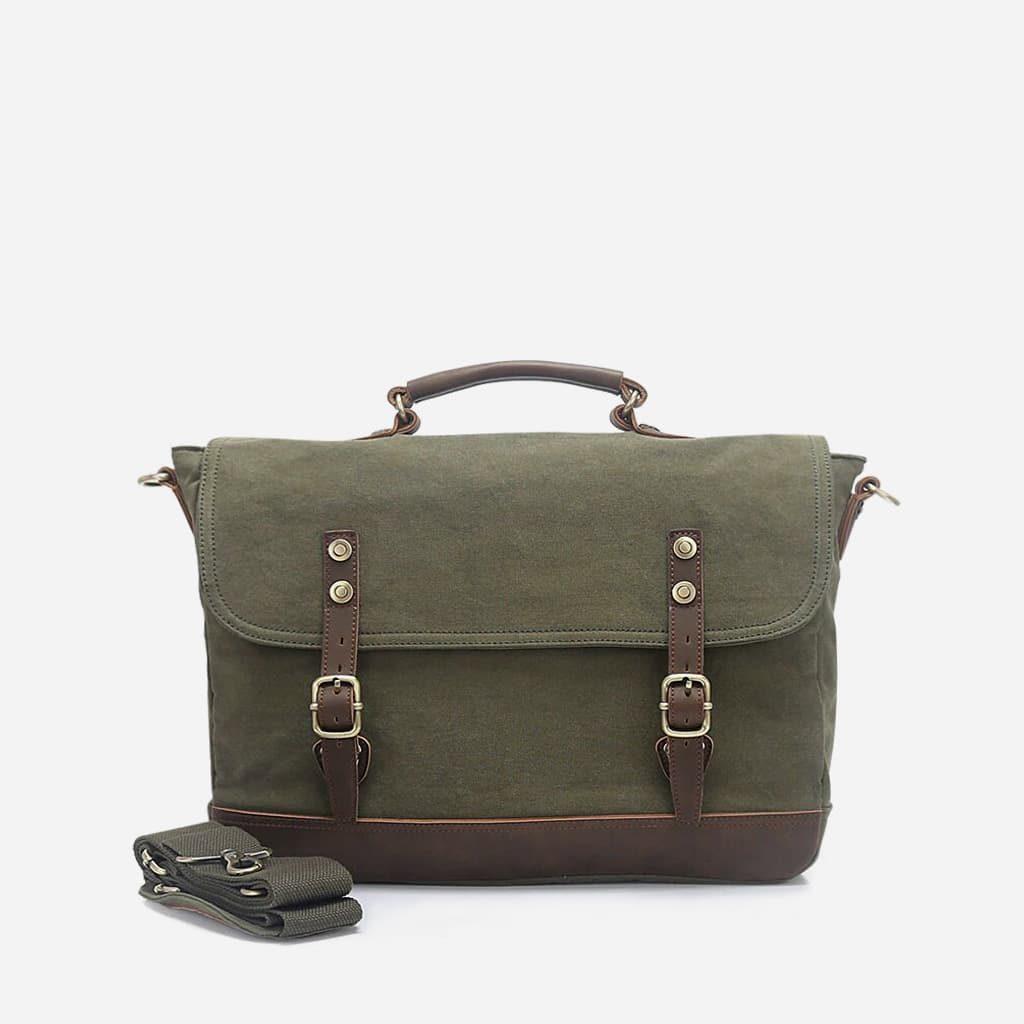 Sacoche besace en toile et en cuir vert et brun.