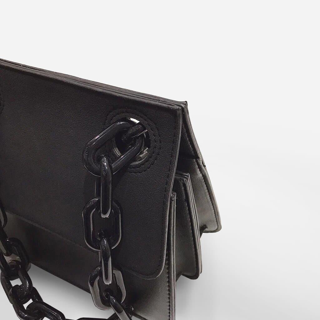 besace-bandouliere-chaine-maillon-besace-noir-S14988